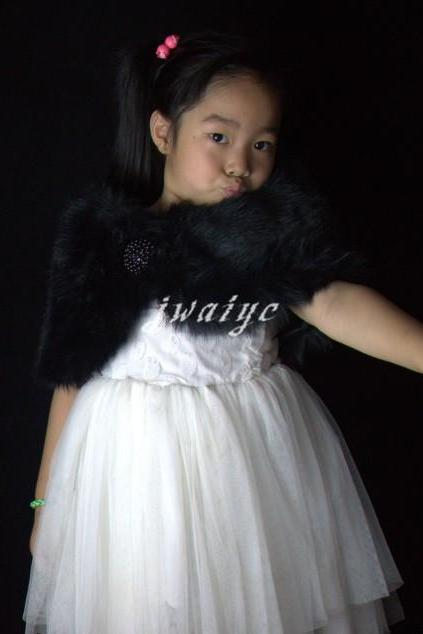 Child-sized black faux fur wrap shrug warm shawl wrapped 3-9 years old Flower girl shawl warm winter short jacket warm jacket wrapped scarves
